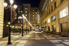 有葡萄酒灯的街道在索非亚,保加利亚在晚上 库存图片