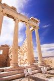 有蓝天的上城在背景 雅典娜,希腊- 20 04 2016年 免版税库存照片