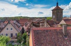 有蓝天的传统德国房子 免版税库存图片