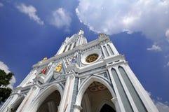 有蓝天的教会 免版税库存图片