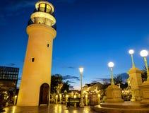 有蓝天的曼谷灯塔在泰国 免版税库存照片