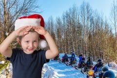 有蓝眼睛微笑的可爱的小男孩 库存照片