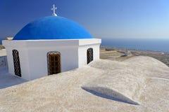 有蓝色圆顶的教会 免版税库存照片