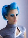 有蓝色头发的女孩 库存照片
