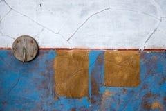 有蓝色油漆的墙壁 免版税库存照片