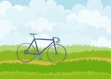 有蓝色赛跑的自行车的美丽的简单的动画片草甸在天空背景 免版税库存图片
