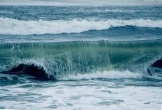 有蓝色颜色的海 免版税库存照片