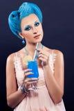 有蓝色头发的美丽的女孩 免版税库存照片