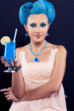 有蓝色头发的美丽的女孩 免版税库存图片