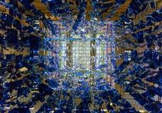 有蓝色水晶的枝形吊灯 免版税库存照片