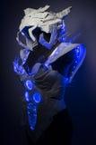 有蓝色LED光和塑料材料的利用仿生学的装甲 库存图片