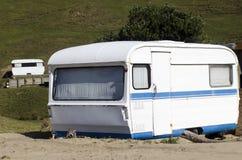 有蓬卡车露营地 免版税图库摄影