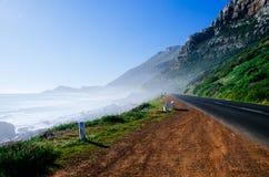 有薄雾的峭壁 库存照片