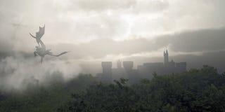 有薄雾的幻想森林 免版税库存照片