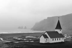 有薄雾的早晨- Vik冰岛 库存图片