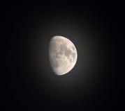 有薄雾的月亮 免版税库存图片