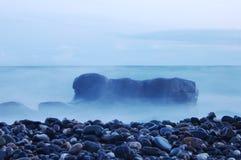 有薄雾的海运 库存图片