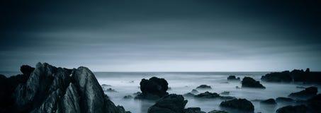有薄雾的海洋 库存照片