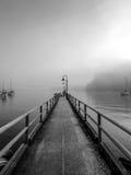 有薄雾的码头 库存照片
