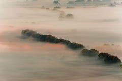 有薄雾的谷 库存图片