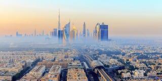 有薄雾的迪拜早晨 免版税图库摄影