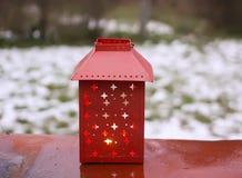 有蜡烛的装饰灯笼在秋天公园晚上 免版税库存图片