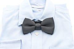 有蝶形领结的衬衣 免版税图库摄影