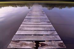 有行动迷离的木跳船 免版税库存照片