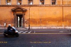 有行动迷离的罗马滑行车 免版税库存图片