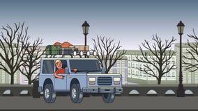 有行李的生气蓬勃的汽车在屋顶和在轮子骑马后的微笑的人穿过秋天城市 移动的车 影视素材