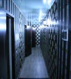 有街灯的现代走廊 免版税图库摄影