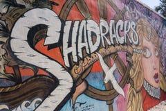 有街道画的墙壁在圣皮特海滩 免版税库存照片