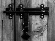 有衣物柜的老桨锁 免版税图库摄影