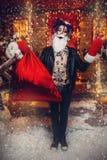 有袋子的正面圣诞老人 免版税库存照片