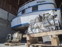 有被升级的引擎的马达船 库存照片
