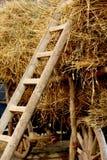 有被堆积的秸杆的农业无盖货车 免版税库存图片