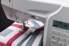 有被子的缝纫机 库存照片