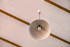 有被带领的电灯泡的电灯 库存图片