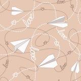 有被缠结的线的无缝的样式纸飞机 重复与纸飞机、心脏和飞奔的被缠结的线的抽象背景 免版税库存图片