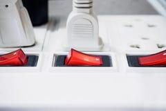 有被连接的插座的多个插口 免版税库存图片