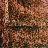 有裂痕的铁锈模式 库存图片