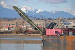 有装货舷梯的河驳船 免版税库存图片