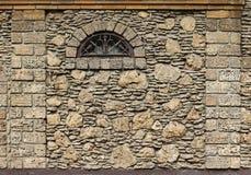 有视窗的墙壁 免版税库存照片