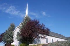 有角度的教会前面 免版税库存图片