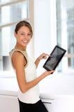有触摸板的女实业家 免版税库存图片