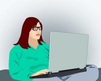 有计算机的女孩 免版税库存图片