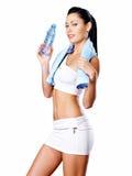 有训练身体的健康妇女 库存照片