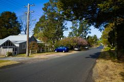 有议院的村庄街道在蓝山山脉澳大利亚 免版税库存图片