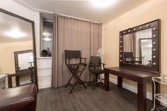 有许多的化装室椅子 图库摄影