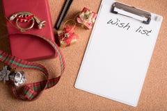 有词愿望的笔记本与在木选项的假日装饰 库存图片